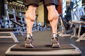 Качаем икроножные мышцы у мужчины